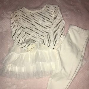 Other - White and Gold infant outfit